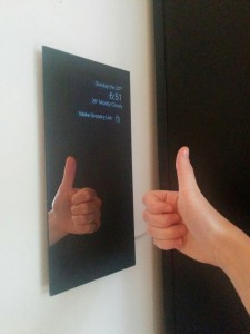 thumbs_up_mirror